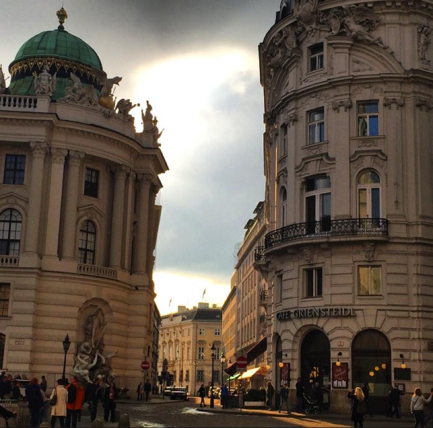 Viena Aprilie 2014-15
