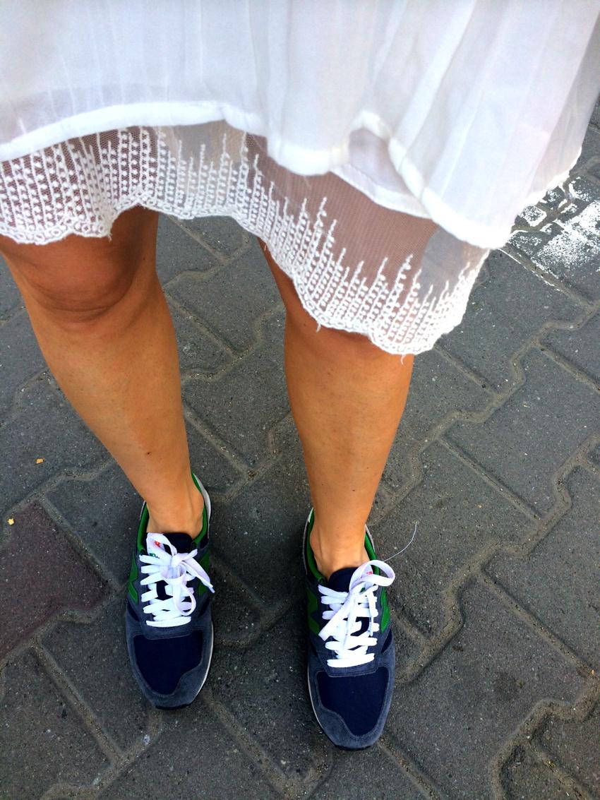 Laura Cosoi Fashion-27