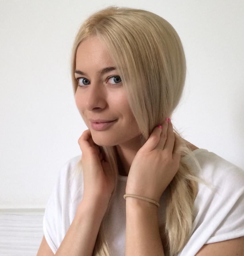 Laura Cosoi Hair Tutorial-01
