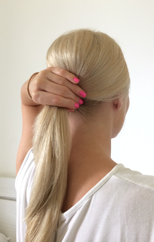 Laura Cosoi Hair Tutorial-04