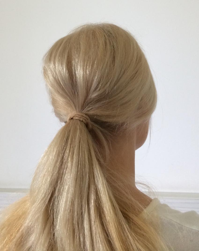 Laura Cosoi Hair Tutorial-05