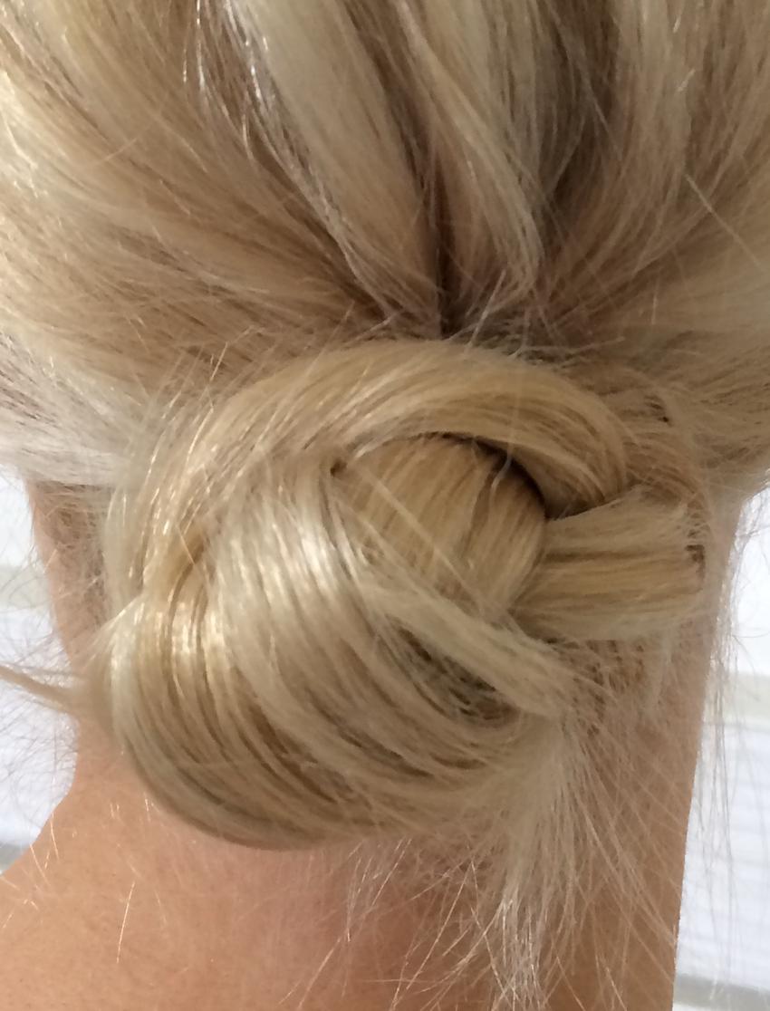 Laura Cosoi Hair Tutorial-14