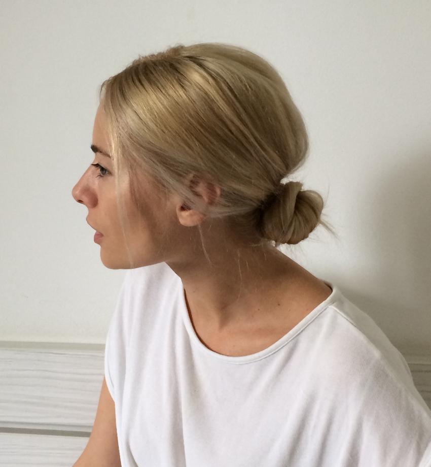 Laura Cosoi Hair Tutorial-16
