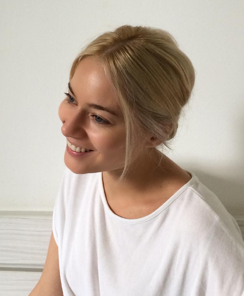 Laura Cosoi Hair Tutorial-17