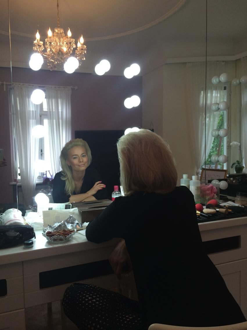 Laura Cosoi Make up-02