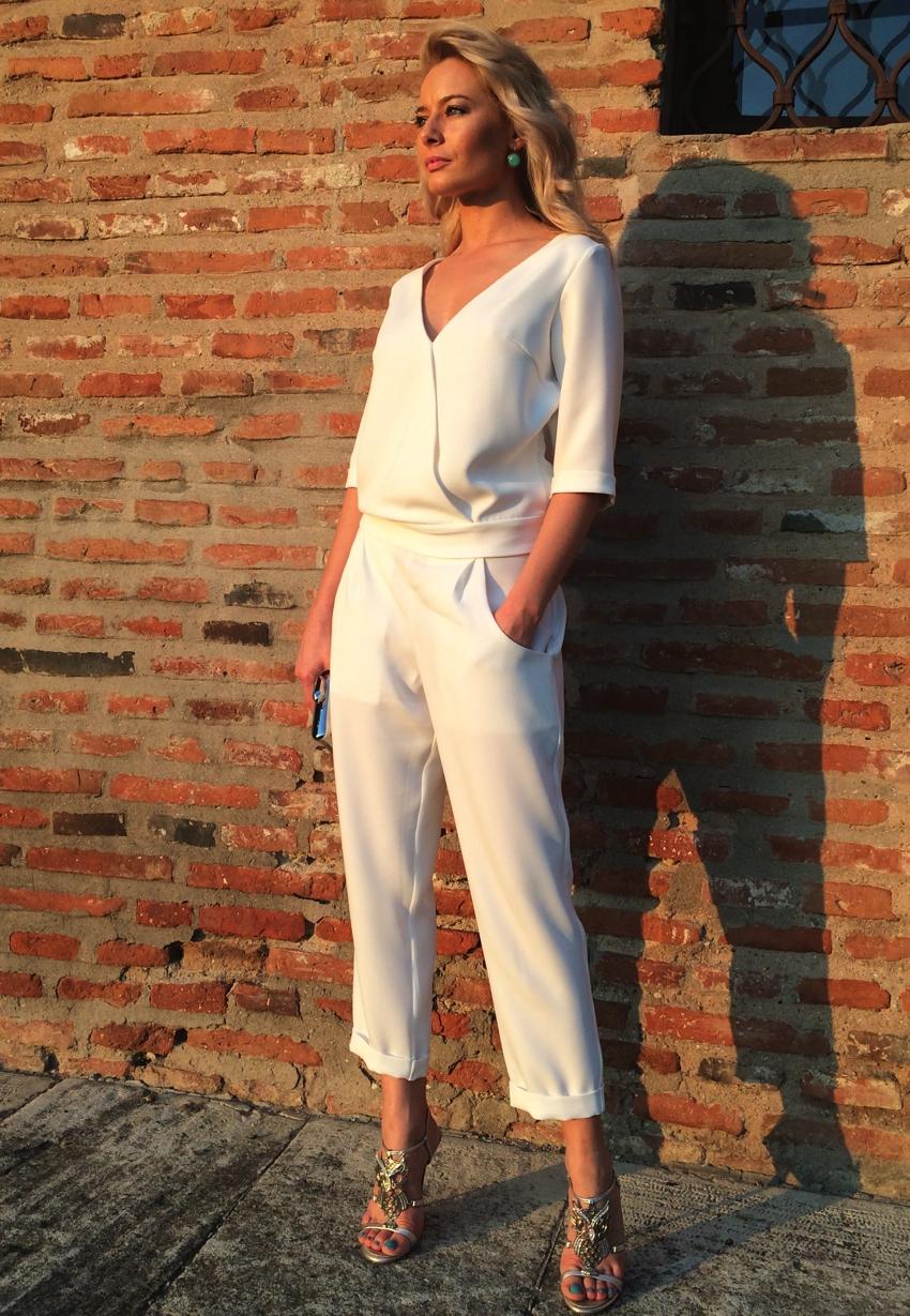 Laura Cosoi -09