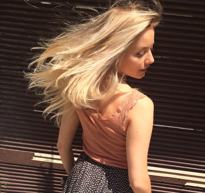 Laura Cosoi Blond-07