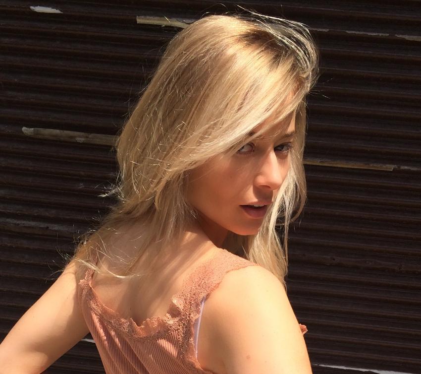 Laura Cosoi Blond-11