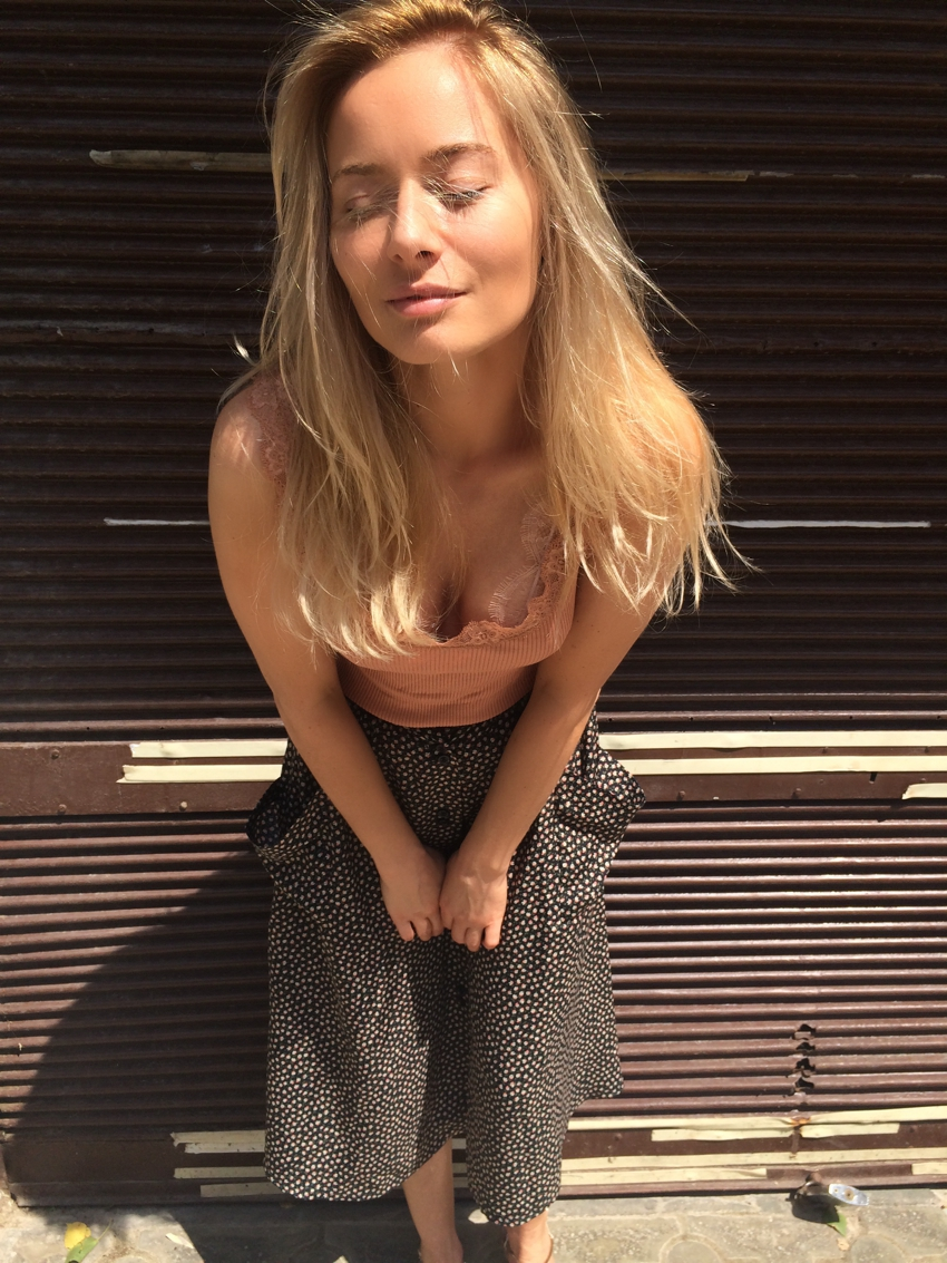 Laura Cosoi Blond-19