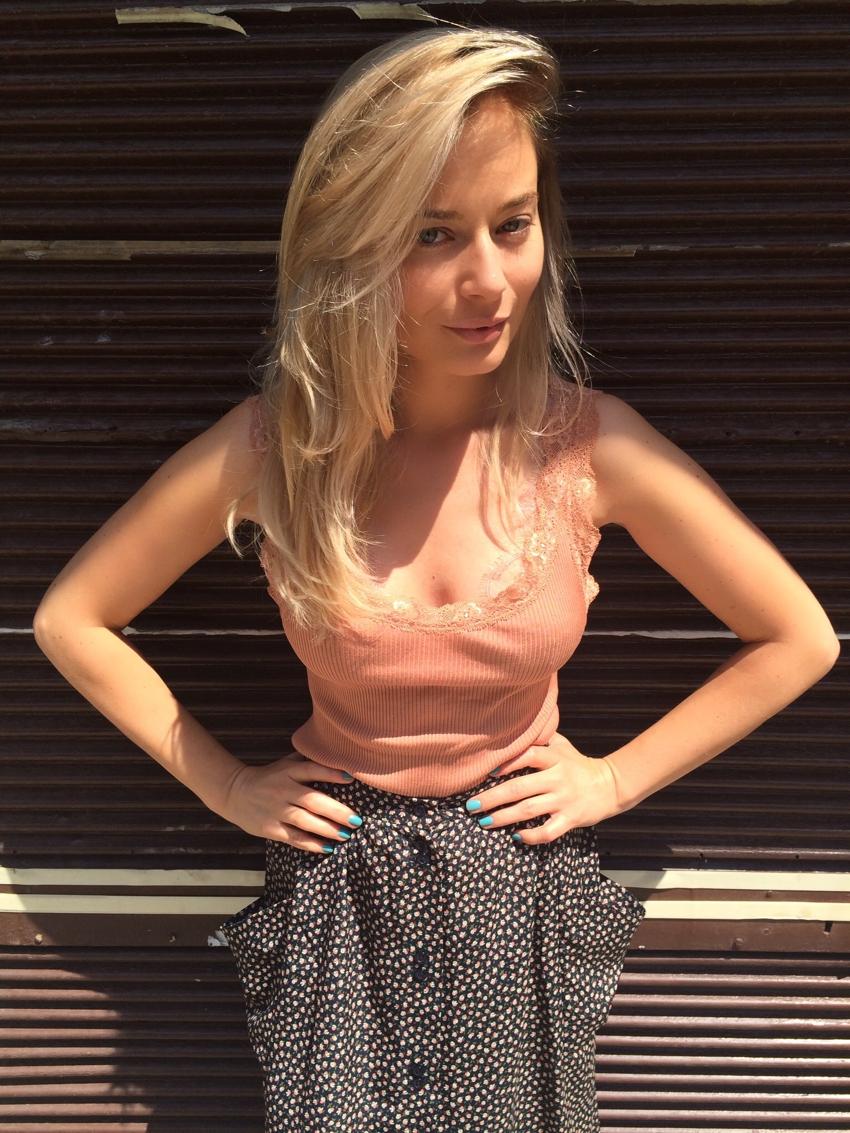 Laura Cosoi Blond-25