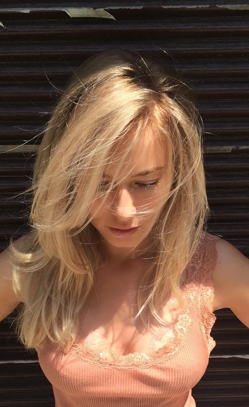 Laura Cosoi Blond-27