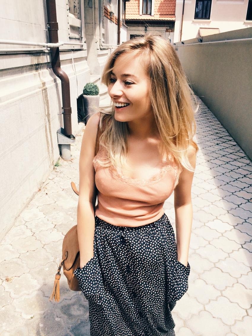 Laura Cosoi Blond-35