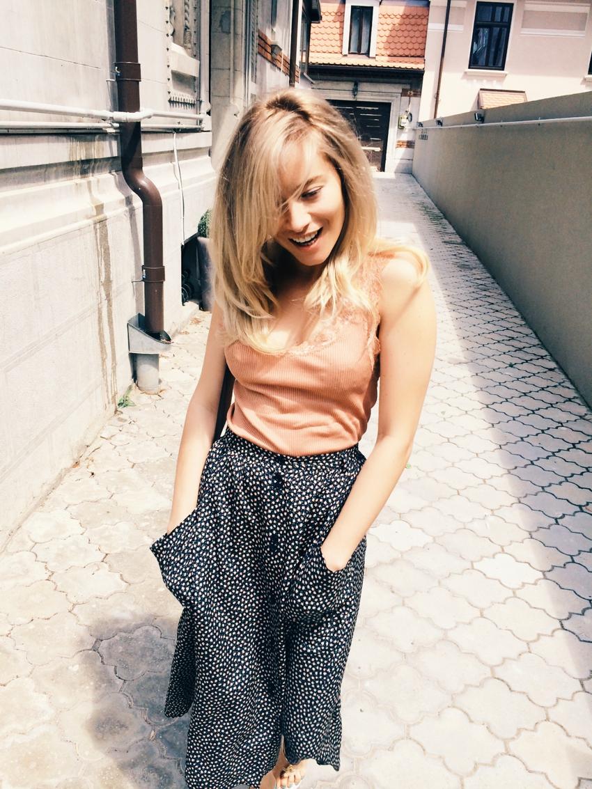 Laura Cosoi Blond-36