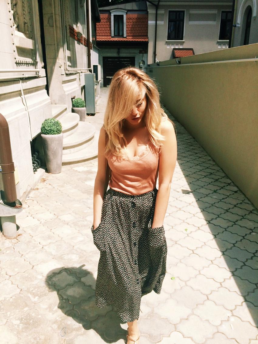 Laura Cosoi Blond-37