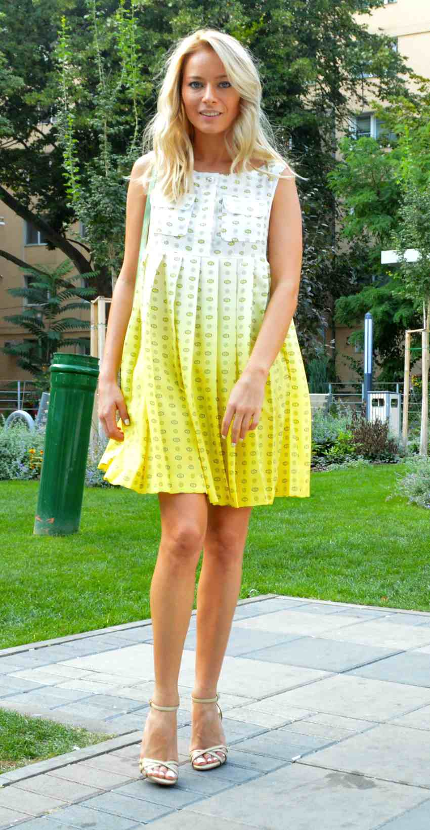 Laura Cosoi Outfit-09