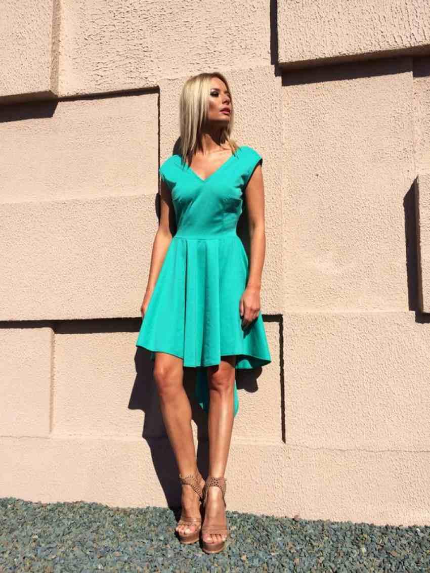 Laura Cosoi Traieste-ti Vara outfits-12
