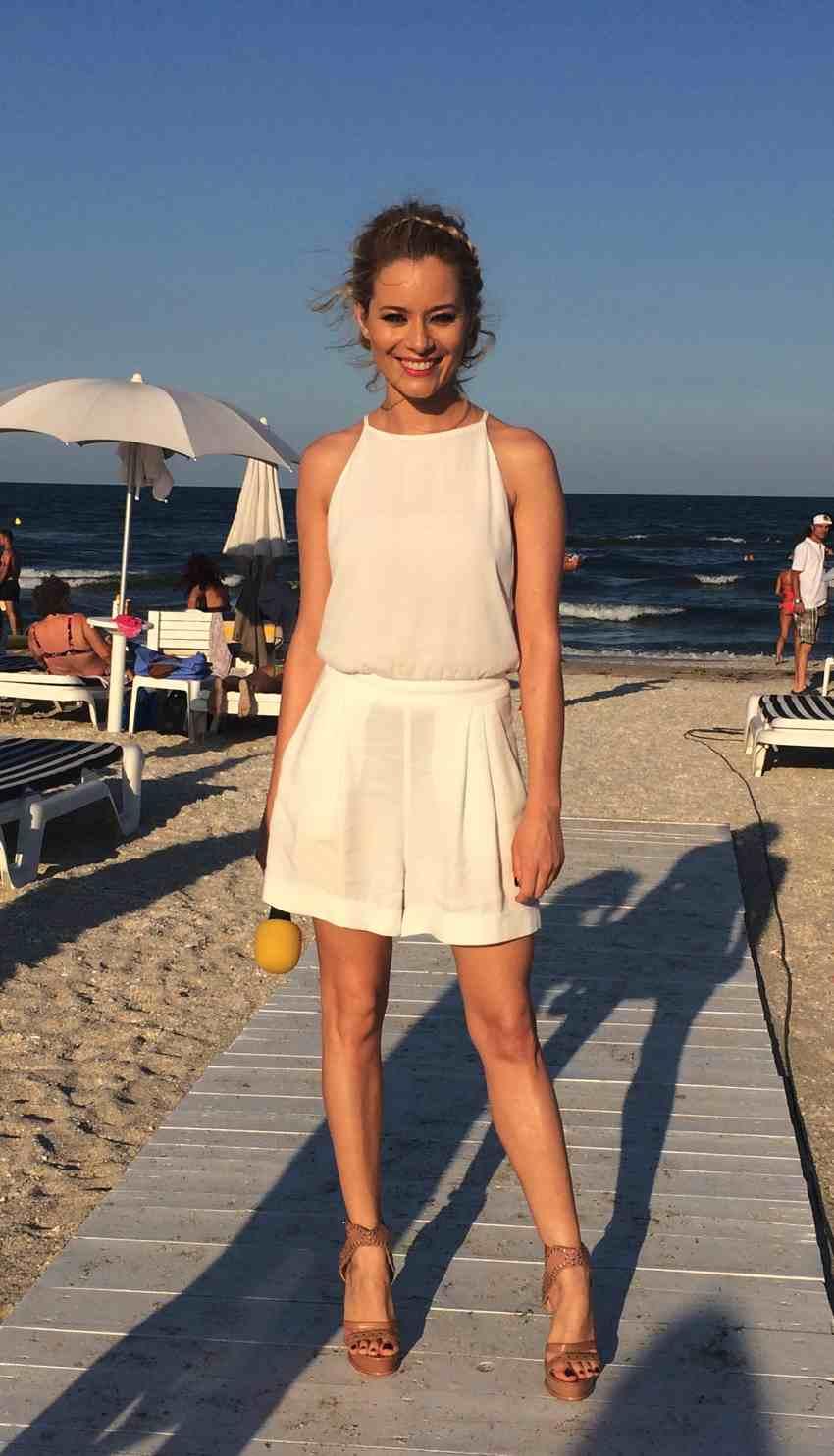 Laura Cosoi Traieste-ti Vara outfits-15