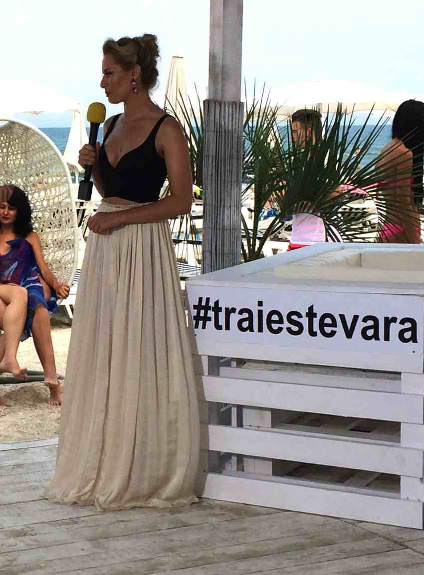 Laura Cosoi Traieste-ti Vara outfits-19
