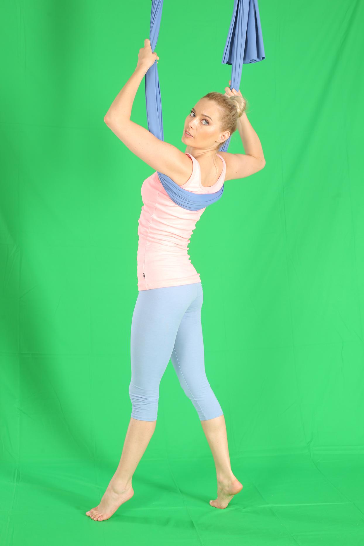 laura cosoi yoga 01