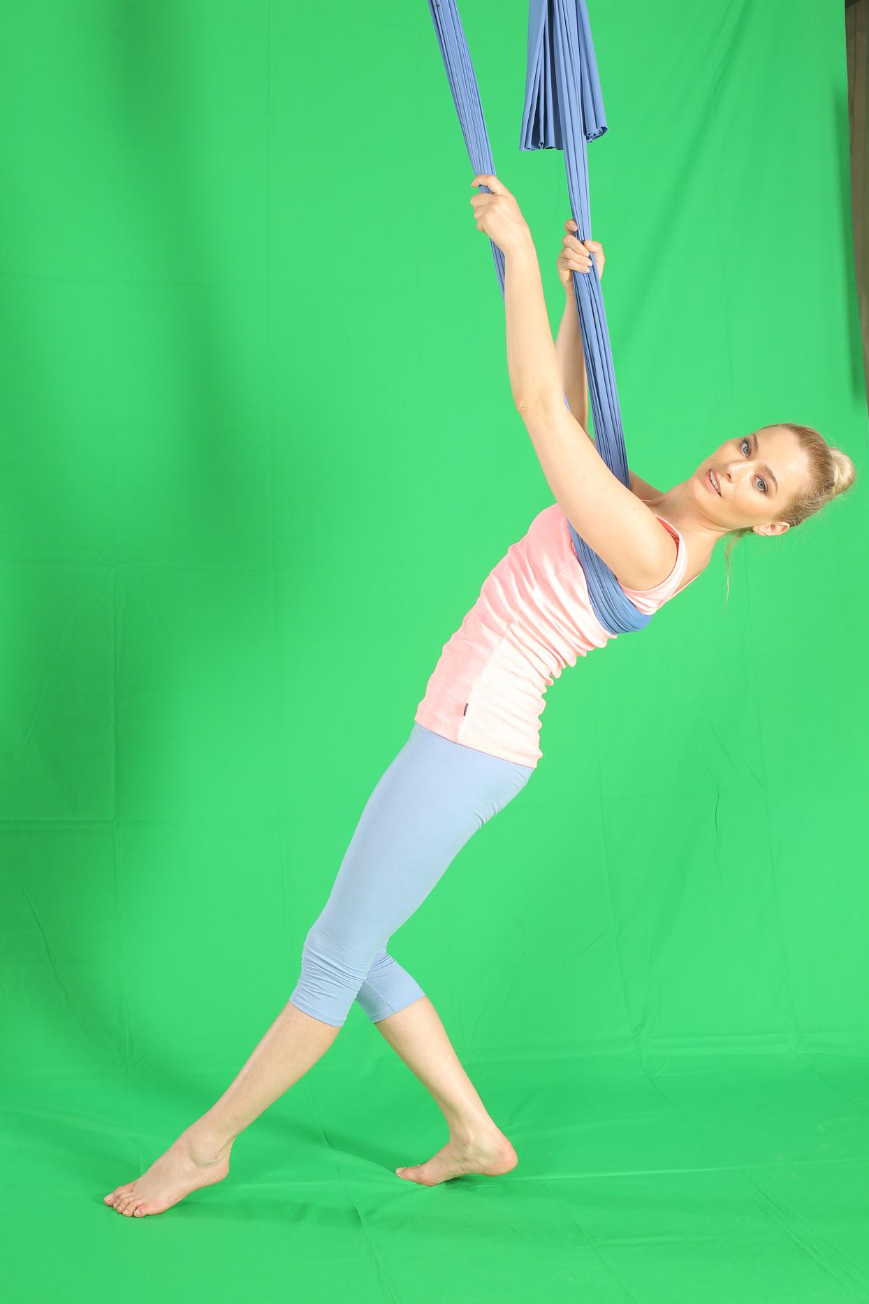 laura cosoi yoga 02