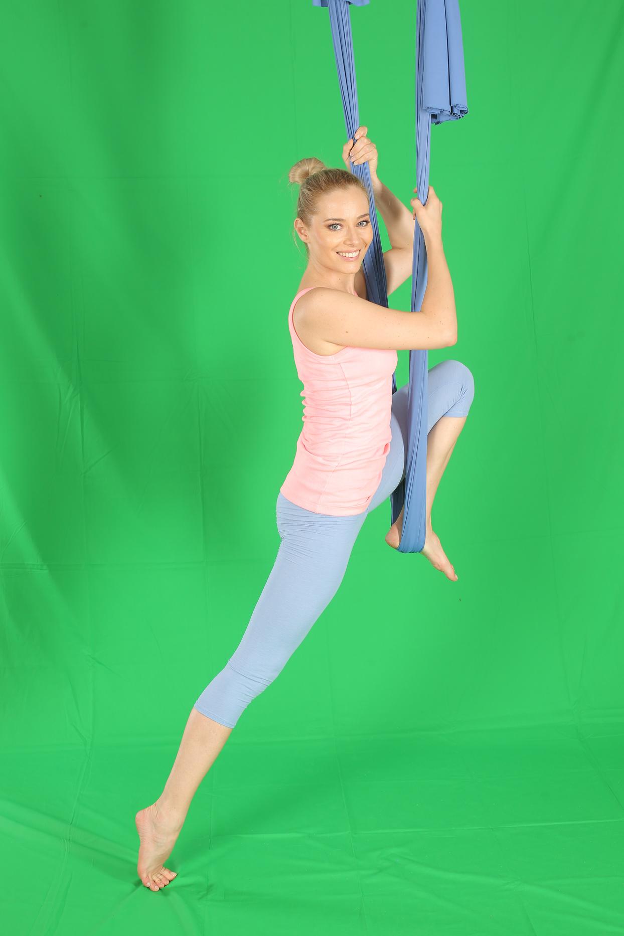 laura cosoi yoga 03