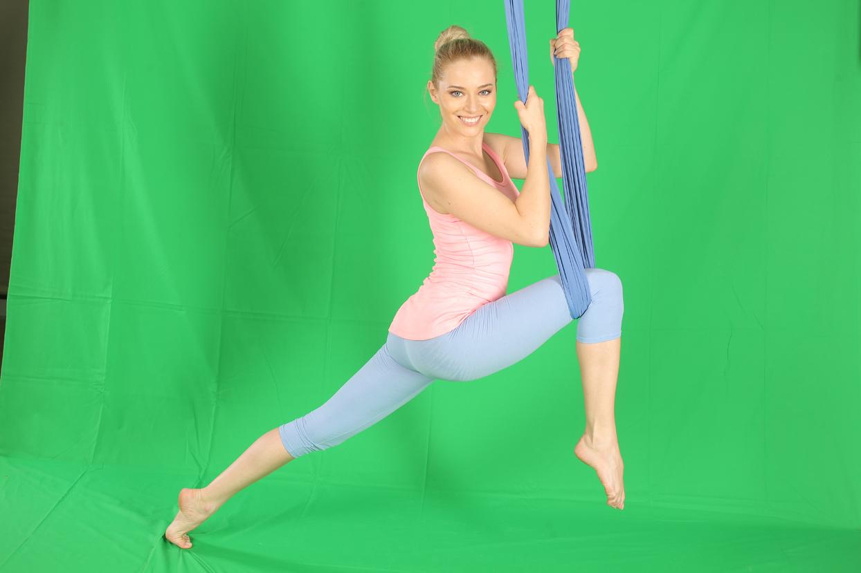 laura cosoi yoga 06