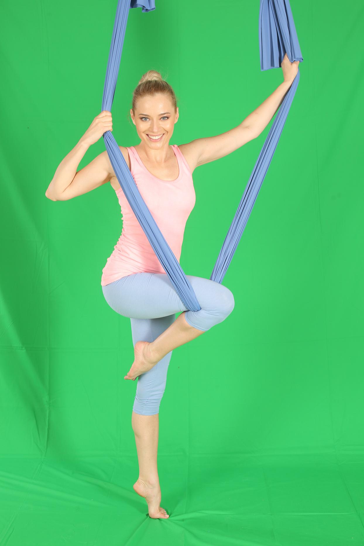laura cosoi yoga 07