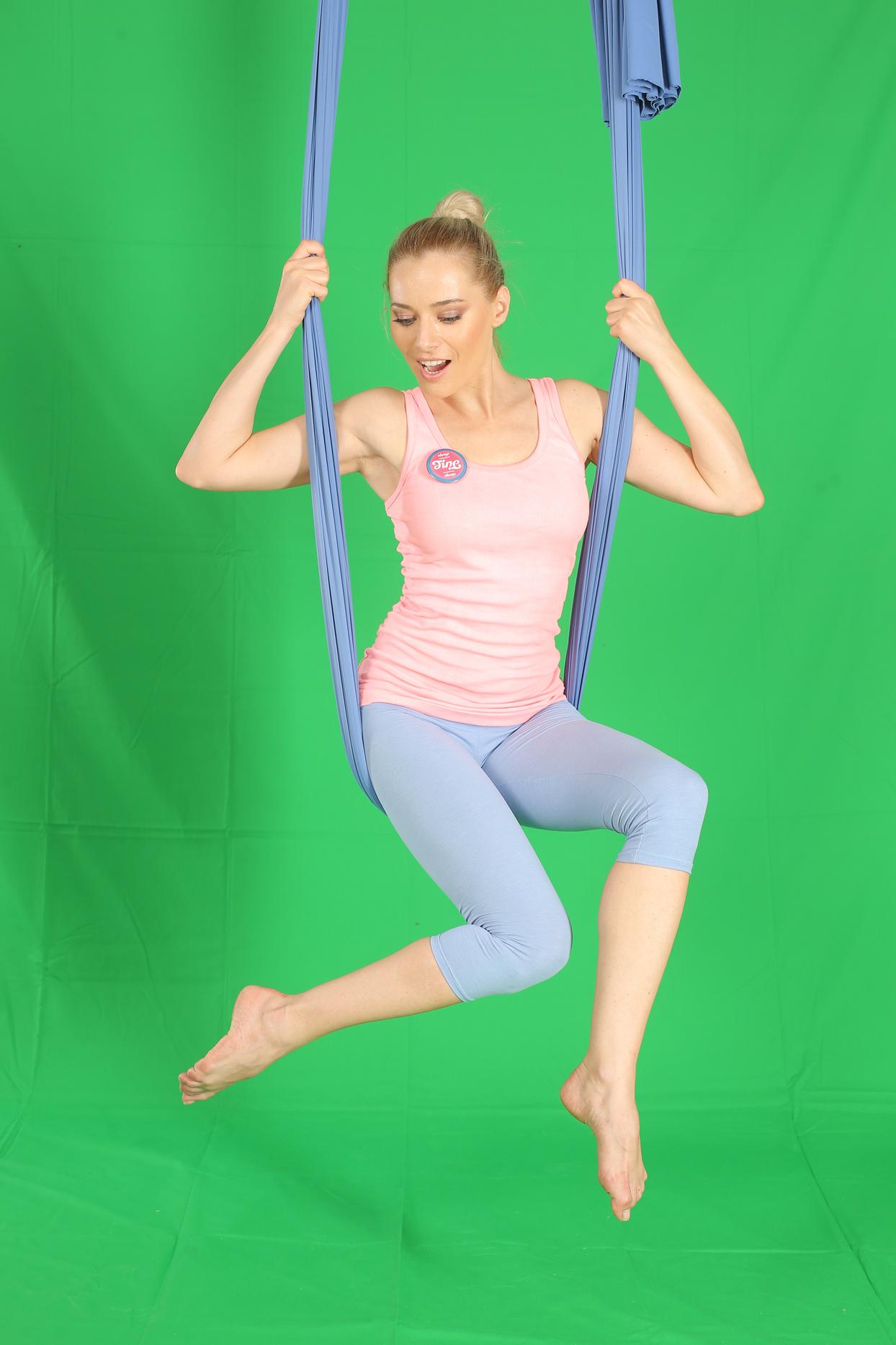 laura cosoi yoga 10