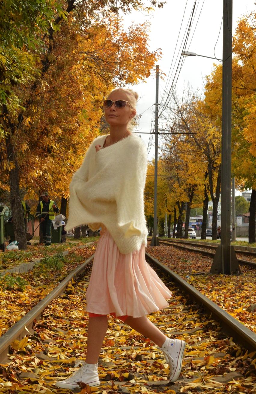 Laura Cosoi Fashion-03