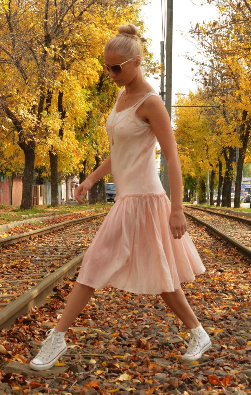 Laura Cosoi Fashion-07