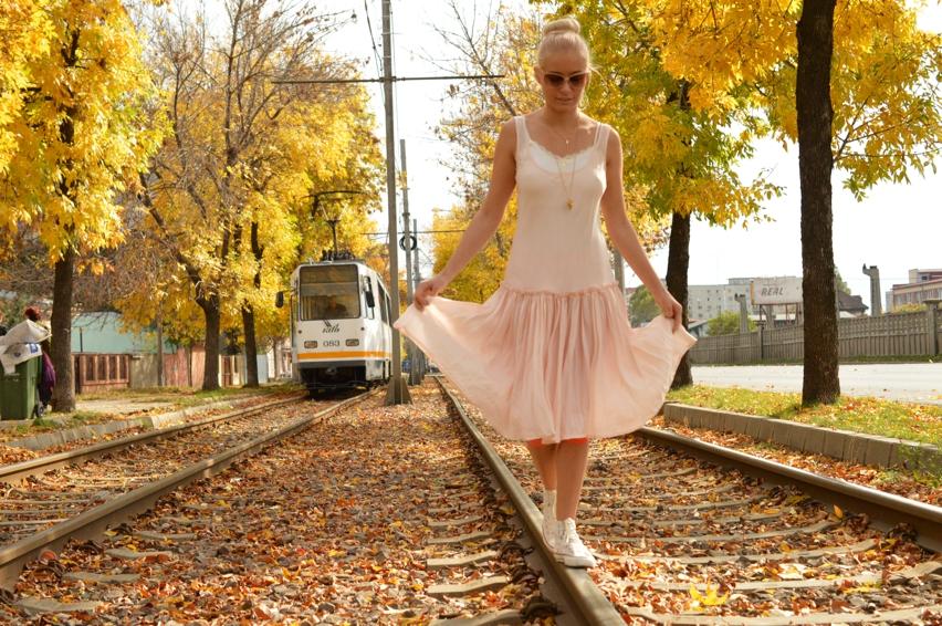 Laura Cosoi Fashion-08