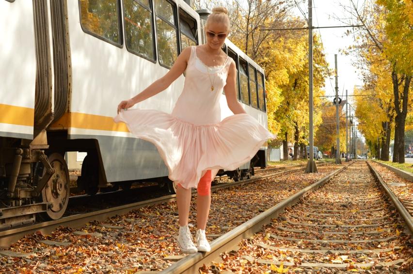 Laura Cosoi Fashion-10