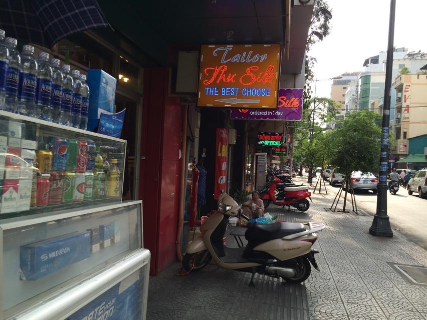 Laura Cosoi Saigon-030
