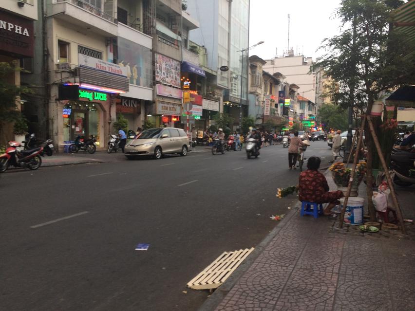 Laura Cosoi Saigon-033