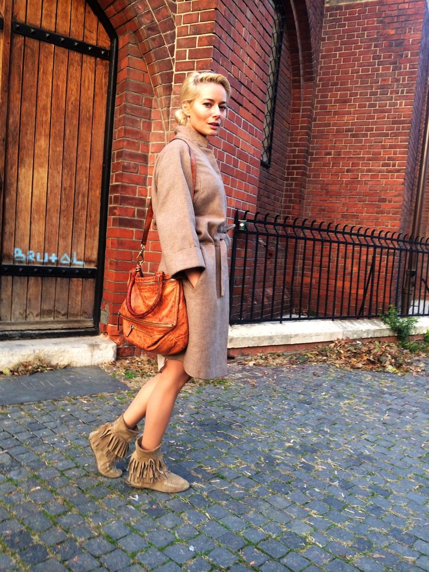 Laura Cosoi Fashion-01