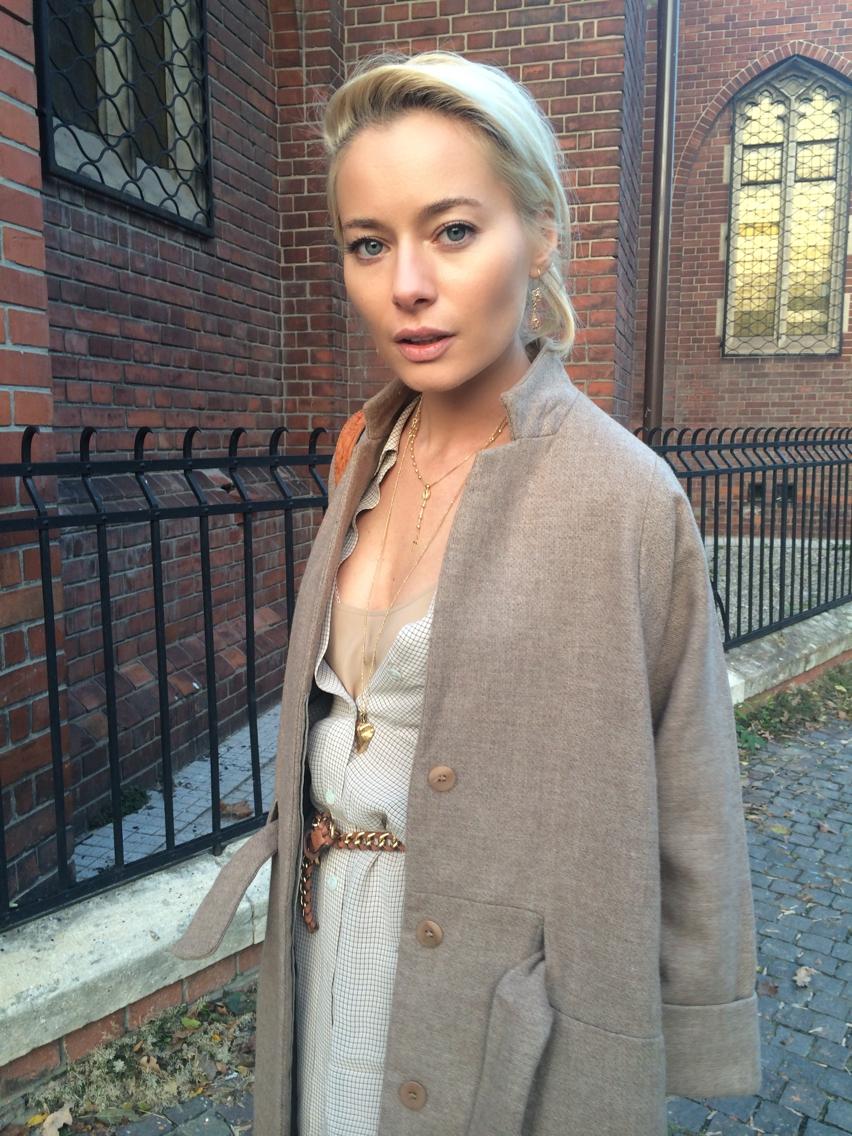 Laura Cosoi Fashion-47