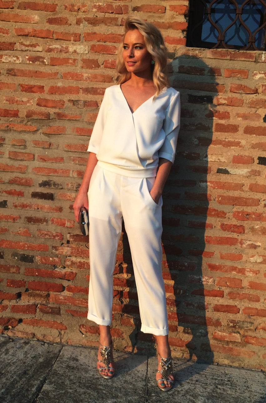 Laura Cosoi  Outfits 2014-15