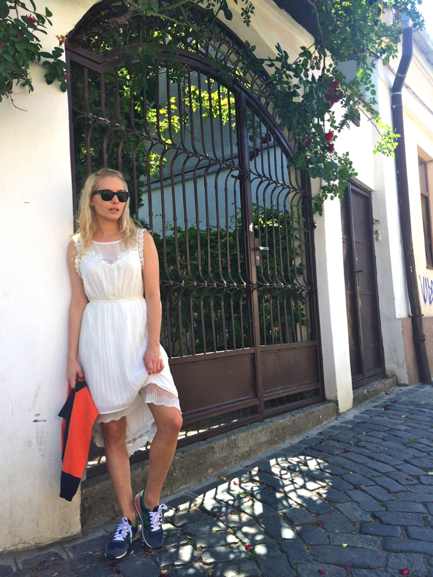 Laura Cosoi  Outfits 2014-28