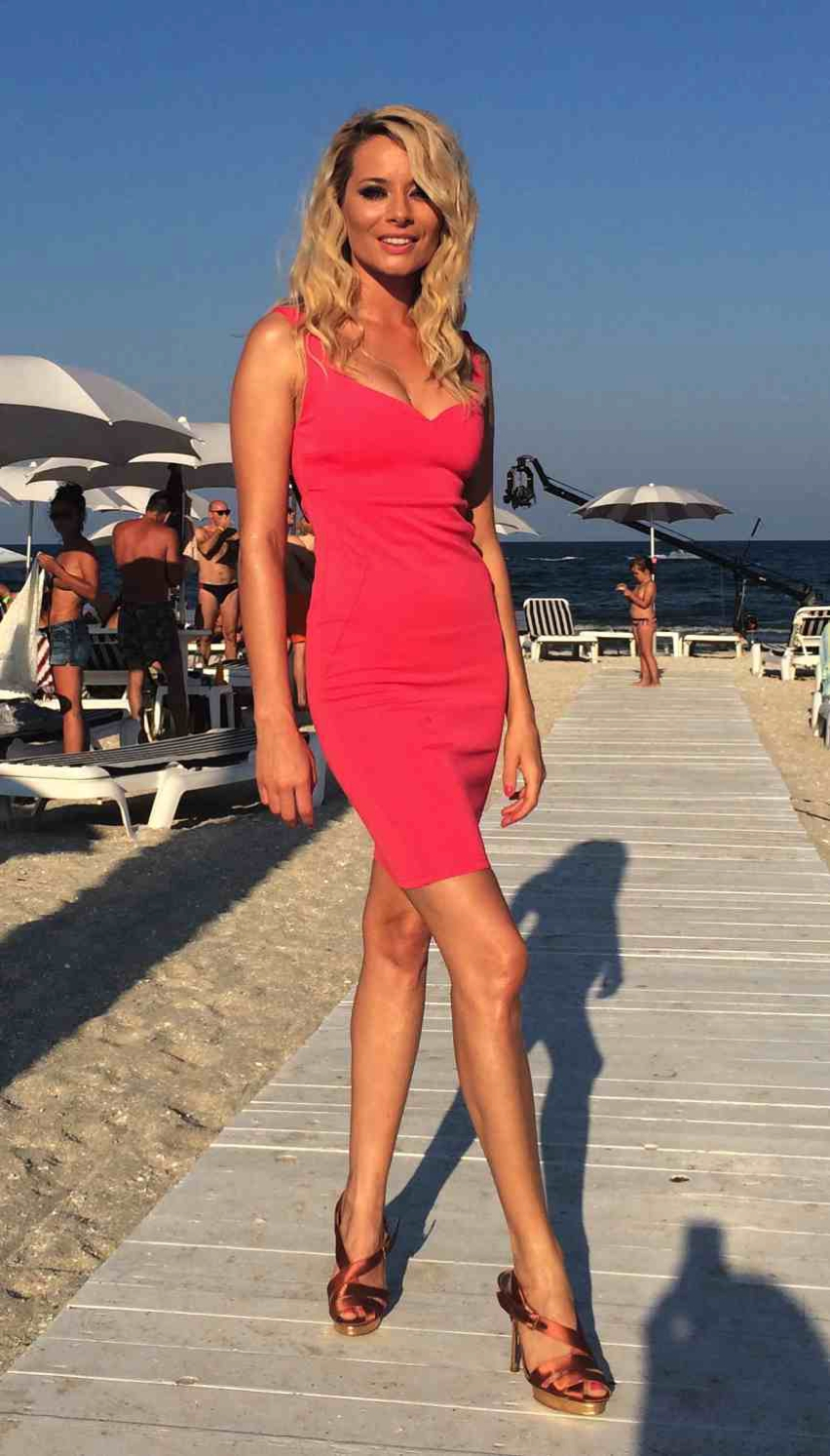 Laura Cosoi  Outfits 2014-49