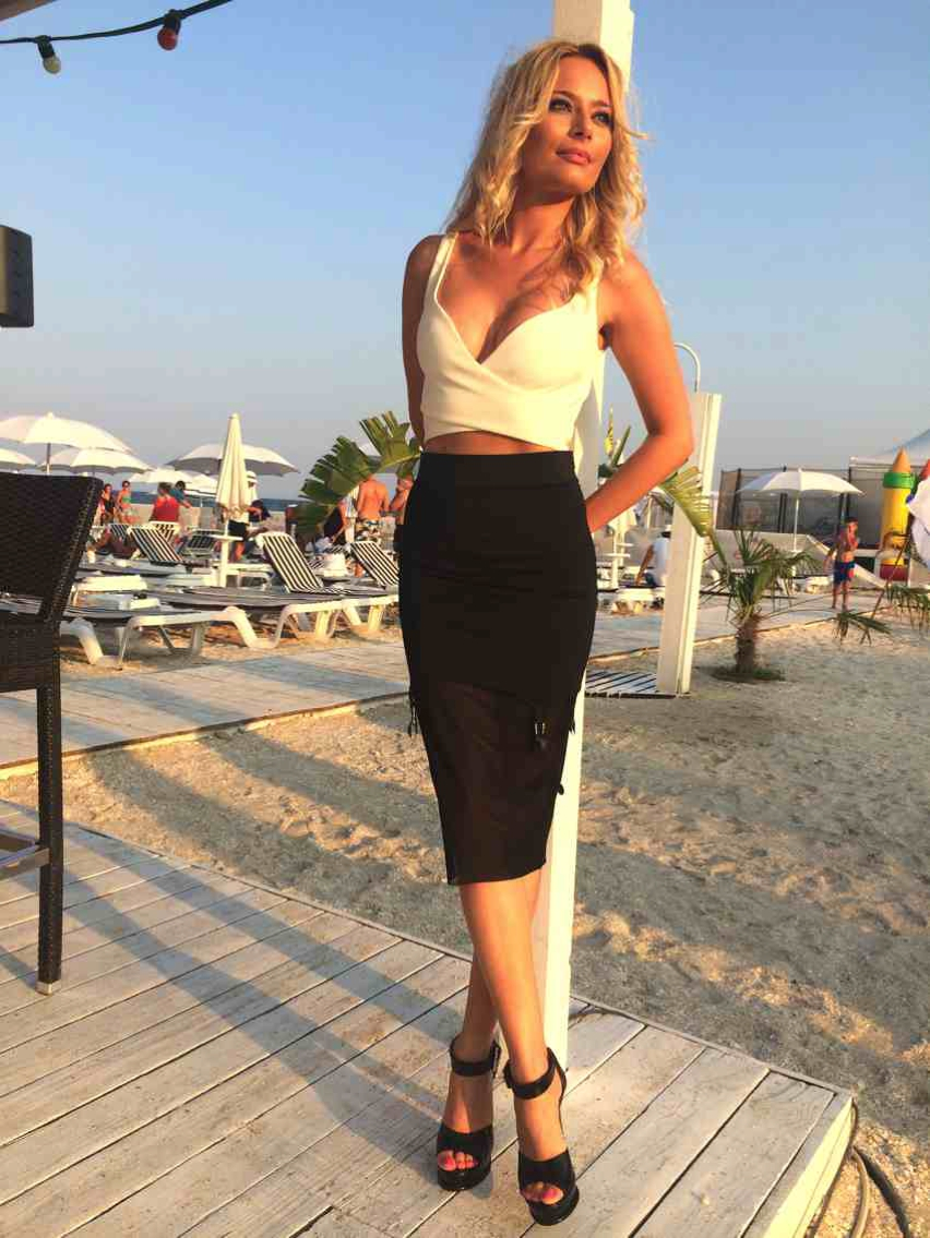 Laura Cosoi  Outfits 2014-50