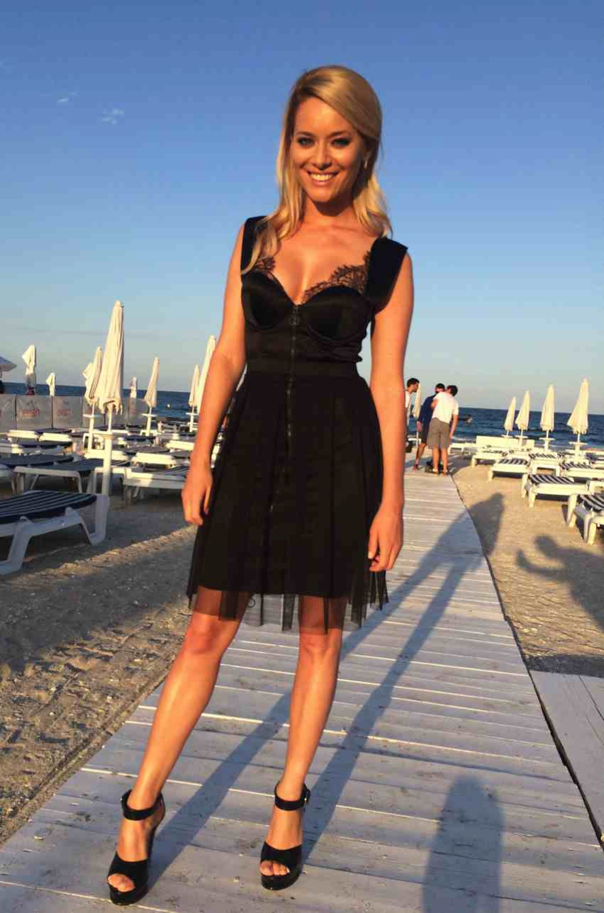 Laura Cosoi  Outfits 2014-53