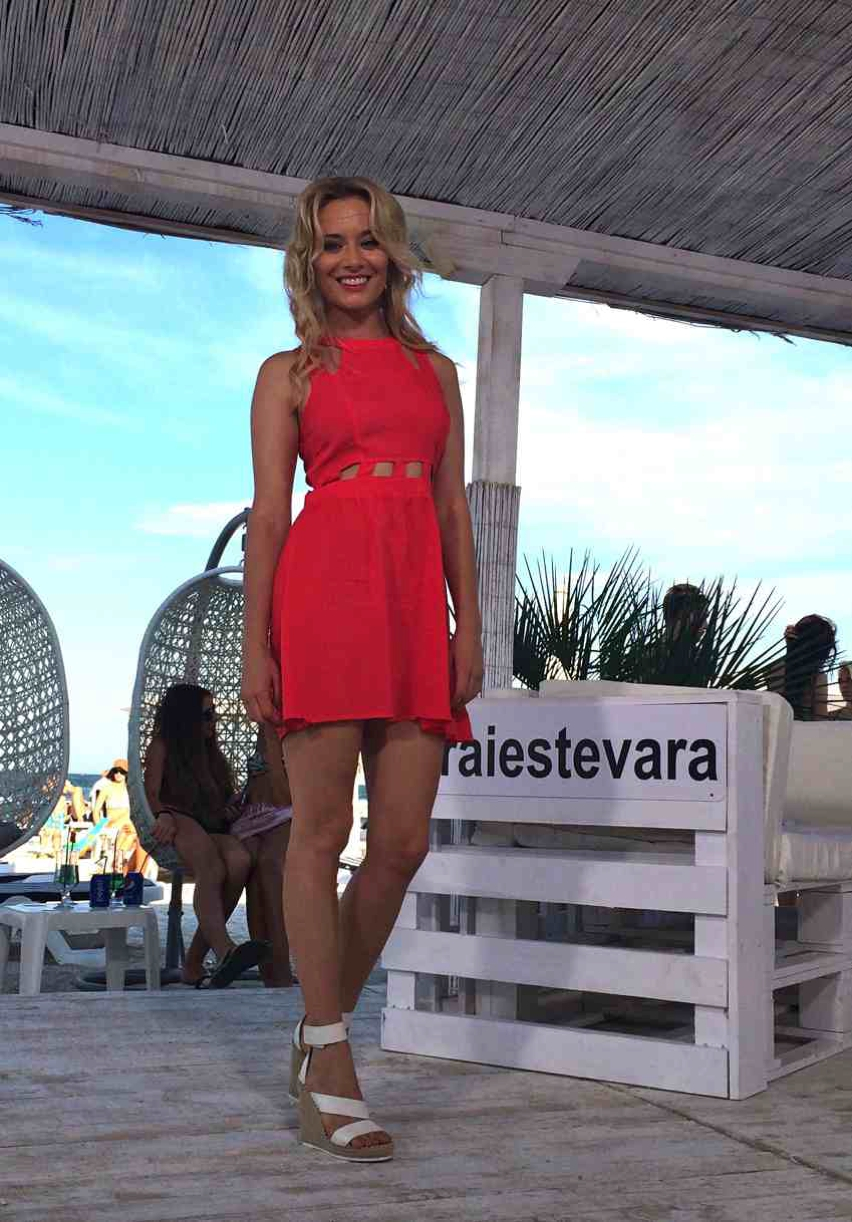 Laura Cosoi  Outfits 2014-63