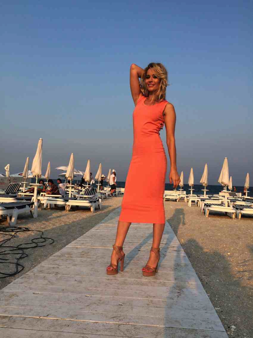 Laura Cosoi  Outfits 2014-68