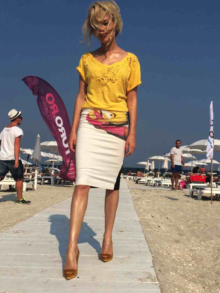 Laura Cosoi  Outfits 2014-69