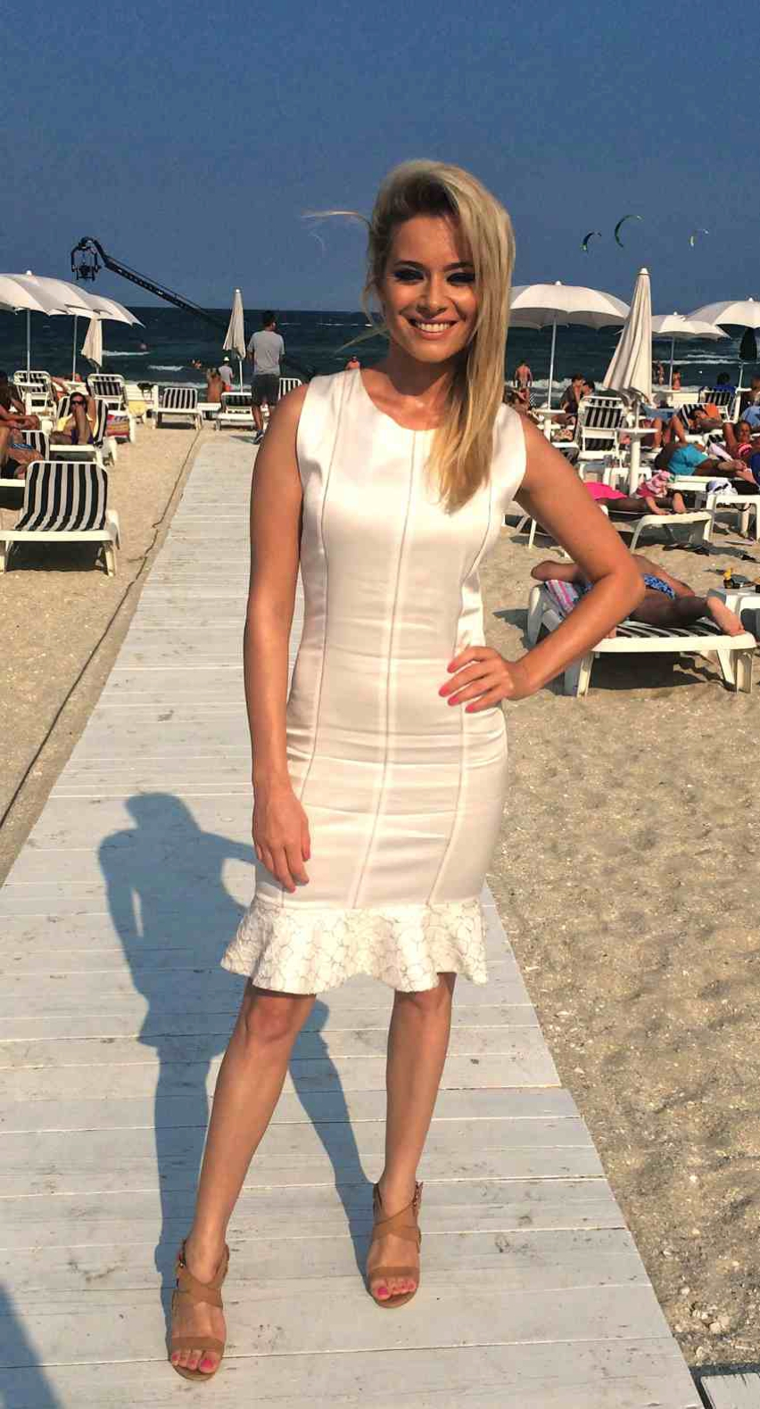 Laura Cosoi  Outfits 2014-70