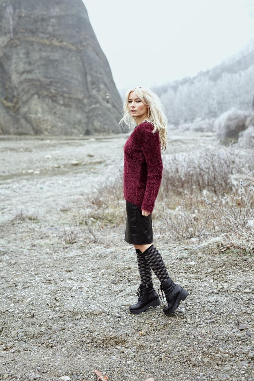 Laura Cosoi  Valea Doftanei-02