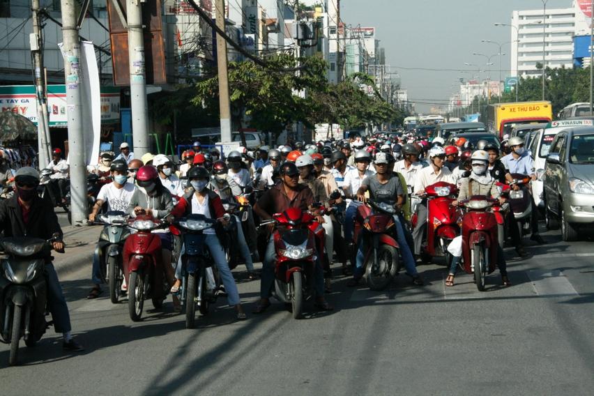 Laura Cosoi Vietnam-04