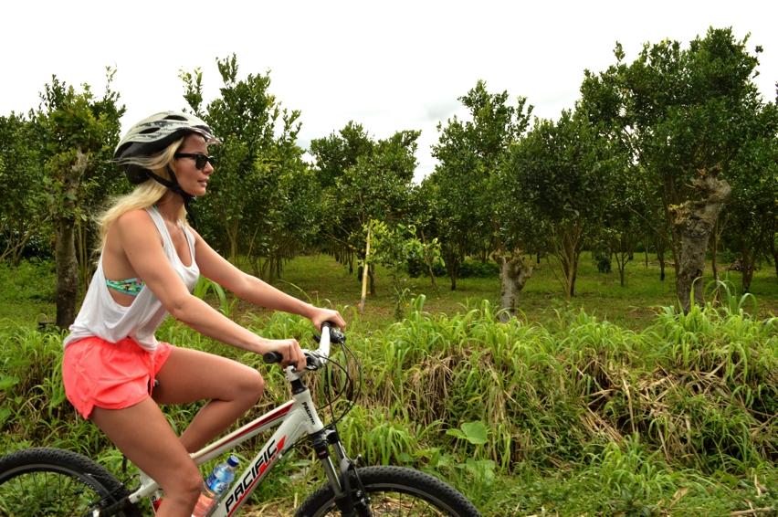 Laura Cosoi  Bali-00