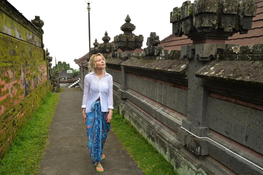 Laura Cosoi  Bali-05
