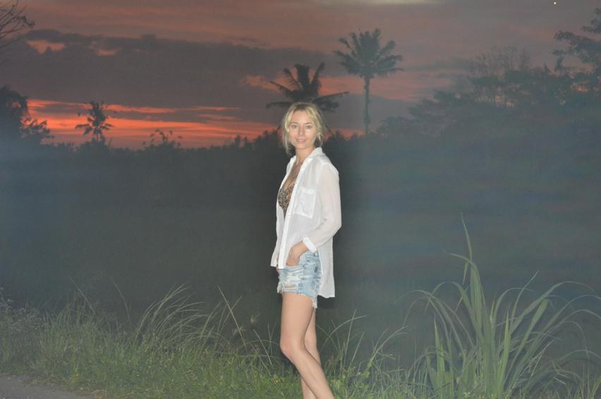 Laura Cosoi  Bali-08